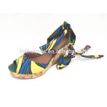 Богемианский стиль обуви женщин летом высокой пятки клина сандалии закрутки женские насосы