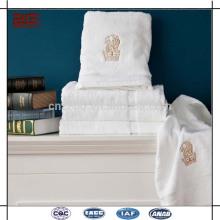 Пользовательские вышивки логотипа 32s 100% хлопок салон полотенца Оптовая