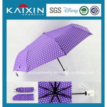 Parapluie solaire pliant à l'eau coulée