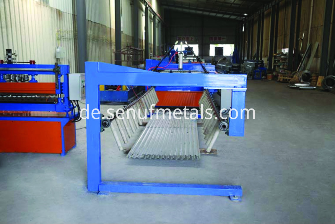 Corrugated roofing machine 2
