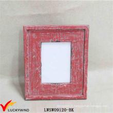 Table rouge chic debout Cadres photo affligés