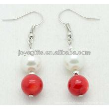 Perlas naturales de coral rojo con pendiente de perlas de agua dulce