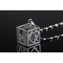 Colgante de moda interior de diamante de forma cuadrada exclusivo 2015 diseñado exclusivamente