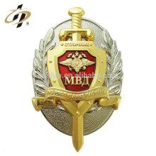 En gros pas cher antique or logo personnalisé vis métal fabricant d'insigne