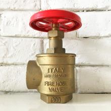 bouche d'incendie couvre fournisseurs / bouche d'incendie / borne d'incendie
