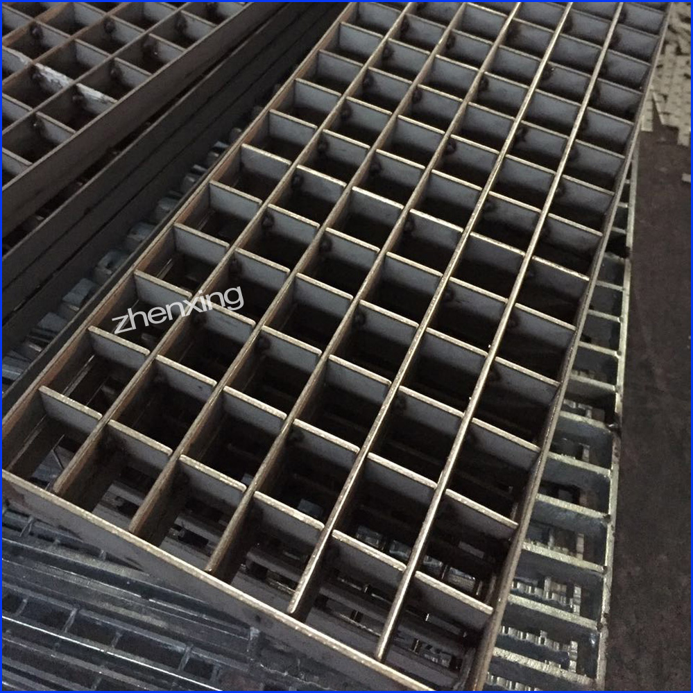 Pressure Locked Grating