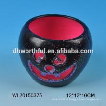 Castiçal de cerâmica do presente do Dia das Bruxas