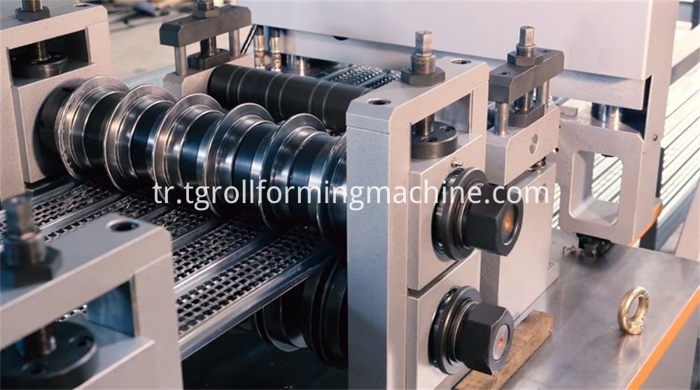Rib Expanded Metal Lath Machines