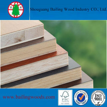 Contrachapado comercial de madera de pino para decoración