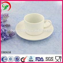 canecas de café branco planície, xícara de café de porcelana e pires