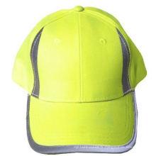 Chapeau haute visibilité avec panneaux réfléchissants