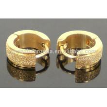 Alto Plain Polaco 18k chapado en oro Pendientes de clip de acero inoxidable