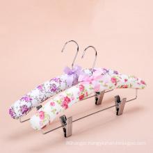Assessed supplier Pengfei sponge padded satin hanger with clips