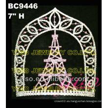 Coronas de cristal del castillo