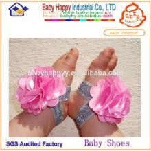 Écologique, élégant, mignon, bébé, chaussures, pieds nus, marche