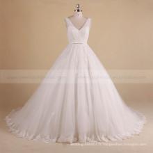 Charmant V-Neck sans manches Puff A-ligne perlée robe de mariée en dentelle avec long train