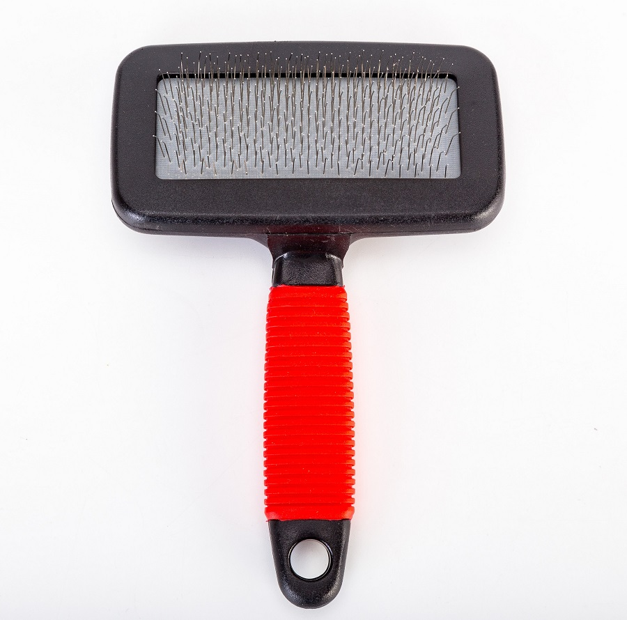 Medium T-Shape Slicker Brush