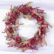 2017 berry rouge artificiel vert couronnes de Noël avec des fruits