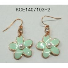 Lovely Green Flower Earrings with Pearl