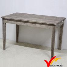 Деревянный столик из твердого дерева