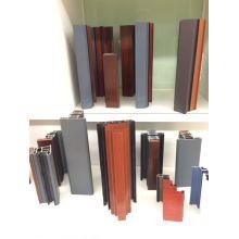 Perfil de madeira e alumínio