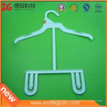 Пластмассовая вешалка для брюк профессионального шитья