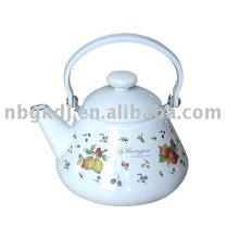 enamel kettle with bakelite handle and knob