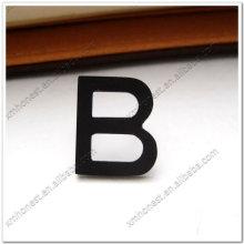 Lettres d'alphabet en métal
