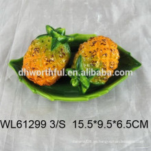 Piña de alta calidad diseñada pimienta de cerámica y salero conjunto