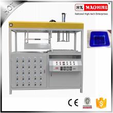 Plastikpilz-Behälter-Vakuum, der Maschine bildet
