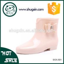 el talón de cristal de gran tamaño calza la muñeca plástica barata de las botas blancas SGX-504
