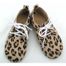 Bas prix d'usine MOQ Chaussures Oxford chaussures pour bébés et enfants