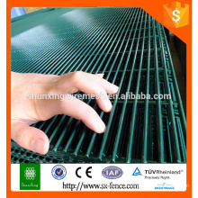 China Supplier Manufacturing company 358 security fence prison mesh,security fence