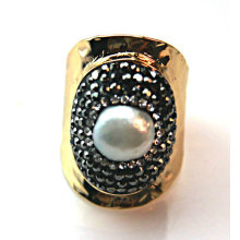 New Design Ring with Precious Stone Pearl Rings Jewelry Accessory