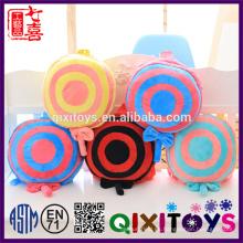 Los juguetes creativos al por mayor del caramelo de la producción profesional diseñan la mochila de la felpa para los niños