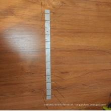 Punta de ave de acero inoxidable 304 de alta calidad con base de plástico / contra pico de ave