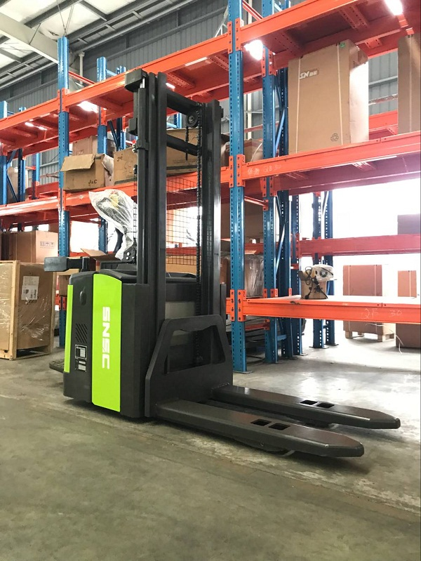 Counter Balance Stacker