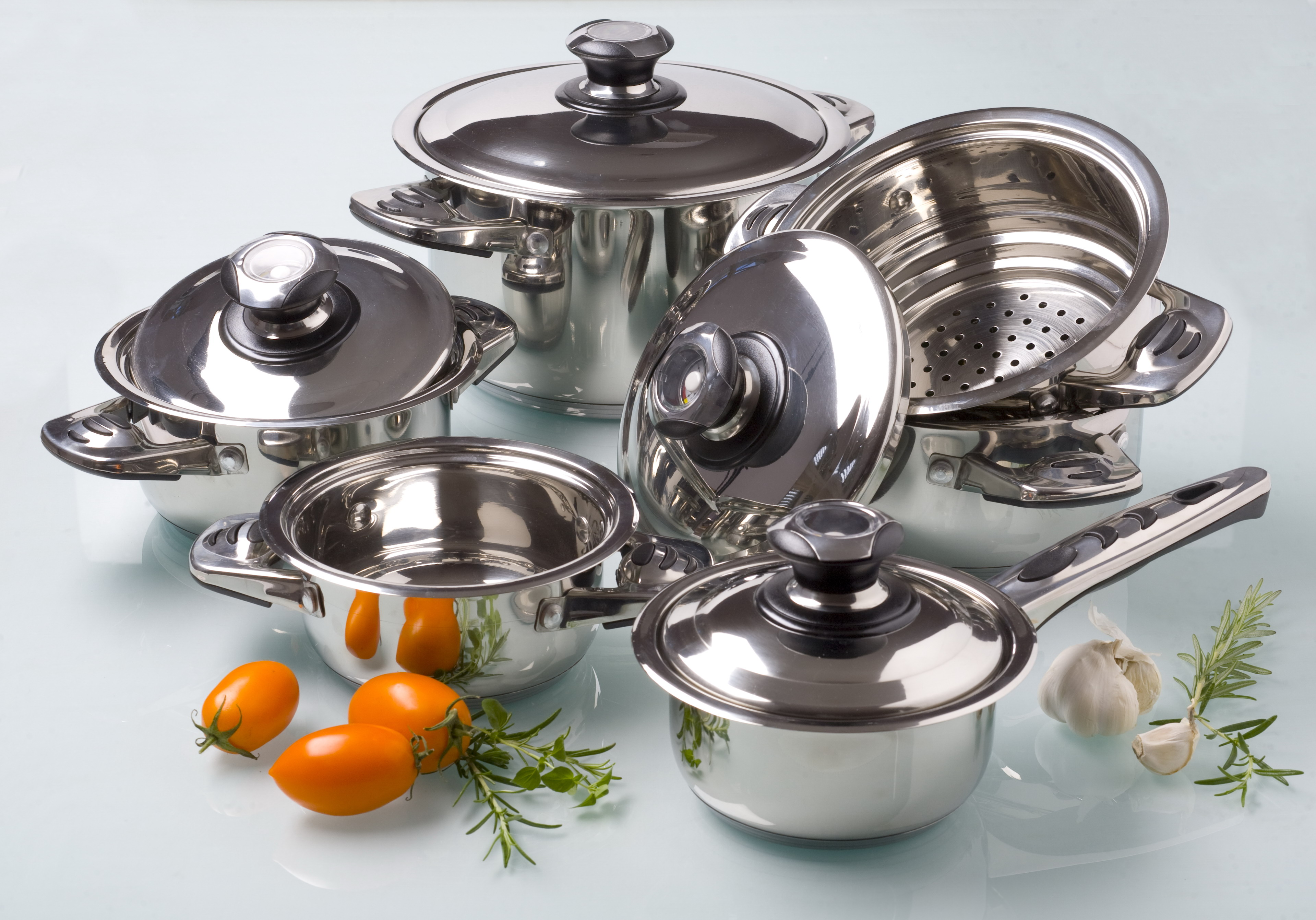 Metal travel product for kitchen
