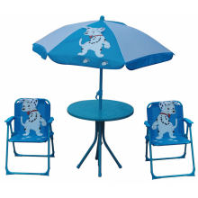 Enfants bon marché pliant la chaise de plage et la table avec le parapluie
