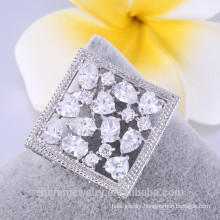 Pop square shape brooch white brooch with crystal cheap price 2018