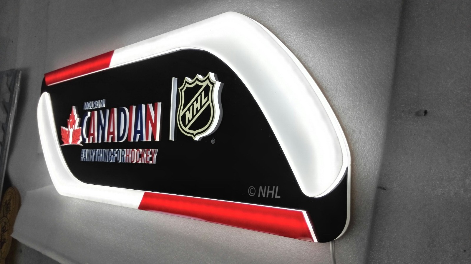 NHL team light sign