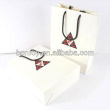 bolsa de papel laminado de regalo para ir de compras