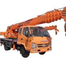 Camión hidráulico pequeño de 8 toneladas montado en una grúa