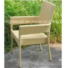 Venta al por mayor Silla silla de restaurante apilable para silla de jardín al aire libre