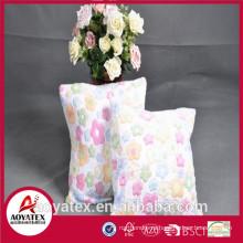 Выбитый цветок коралловые флис подушка, модное подушка с начинкой, коралловый подушка овечья шерсть сделано в Китае