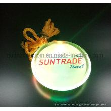 Kundenspezifisches Plastikseil LED Pin-Abzeichen für förderndes Geschenk