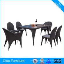 Table de salle à manger en rotin tissage spécial extérieur et chaises