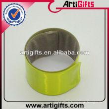 Bracelet de slap blanc pour les enfants