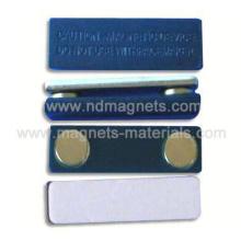 Magnetische Namensschilder mit Kunststoffabdeckung