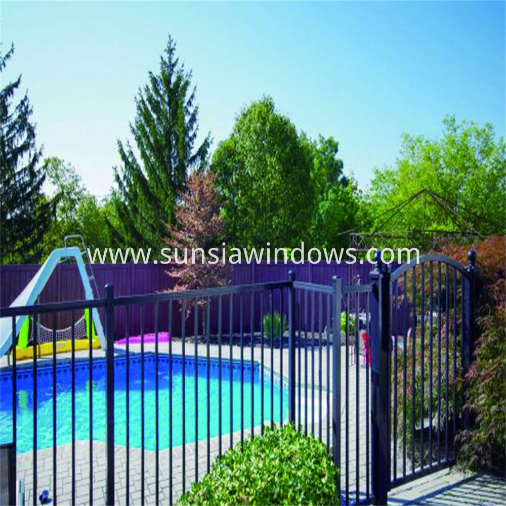 Swimming Pool Privacy Fence